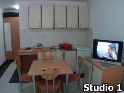 studio 1......jpg