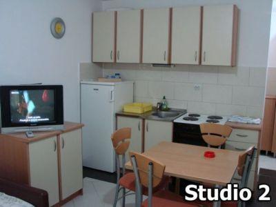 Studio 2 kuh.jpg