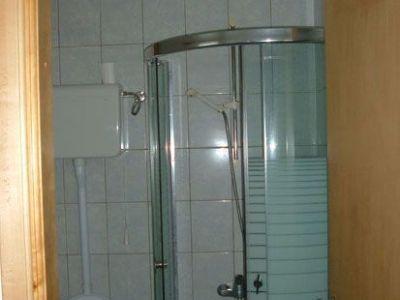 Kupatilo/ dvokrevetni studio