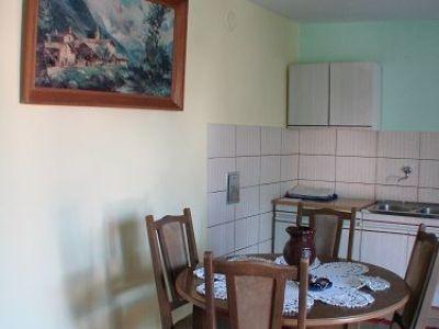 apartman 1_kuhinja sa trpezarijom.jpg