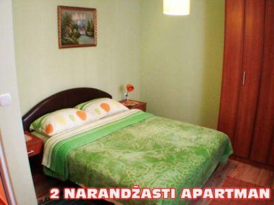 2 narandzasti apartman spavaca soba.jpg
