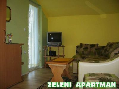 zeleni apartman dnevni boravak..jpg