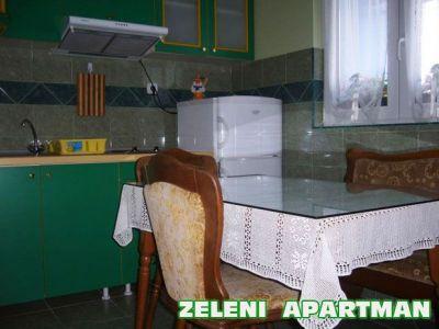 zeleni apartman kuhinja trpezarija.jpg