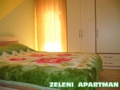 zeleni apartman spavaca soba.jpg