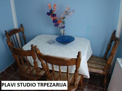 plavi studio trpezarija.jpg