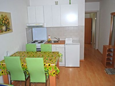 Apartman-Milan-1_kuhinja-i-trpezarija.jpg