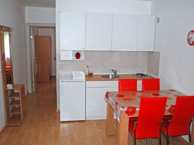 Apartman-Milan-2_kuhinja-i-trpezarija.jpg