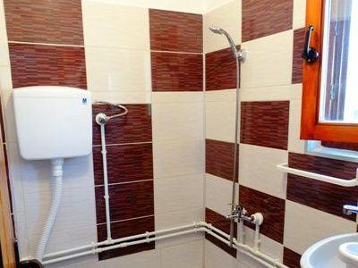 studio na prvom spratu 4 kupatilo