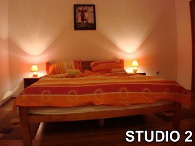 studio 2....jpg