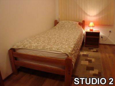 studio 2...jpg
