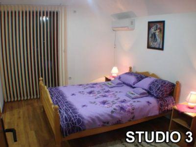 studio 3.....jpg