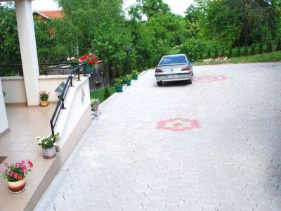 _4-parking.jpg