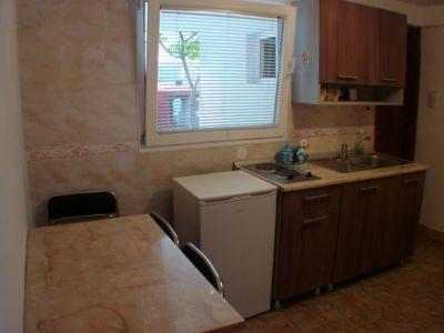 apartman 1 kuhinja.jpg