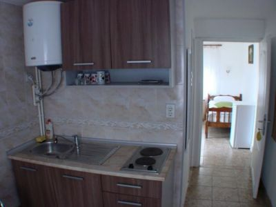 apartman kuhinja.jpg