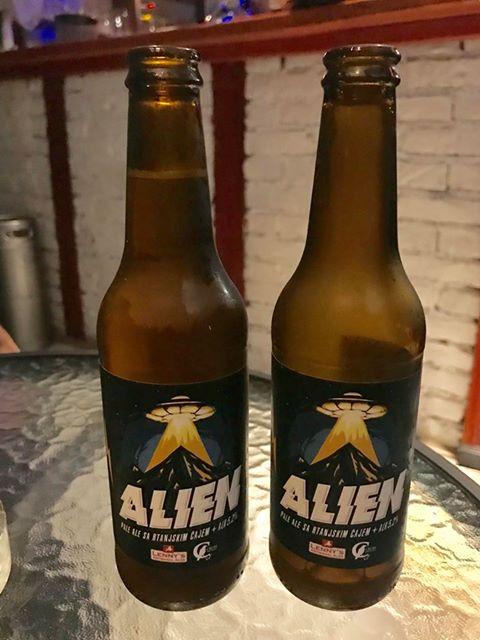 Alien pivo