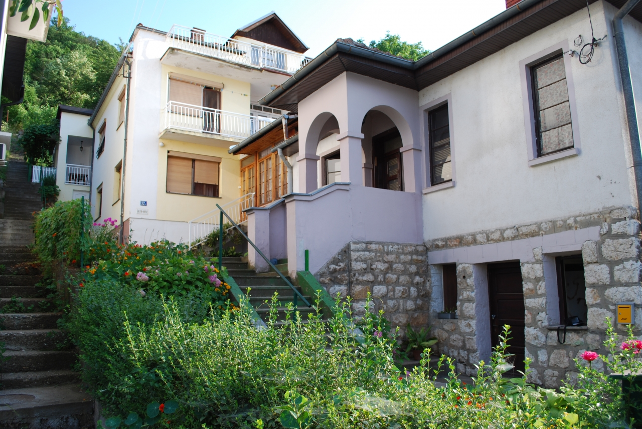 Mladenov Dom - Apartmani
